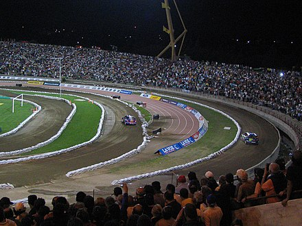 A stadium-based super special stage in Argentina. Gronholm vs. Loeb.jpg