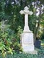 Grabstätte auf dem Ostfriedhof - panoramio (10).jpg