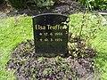 Grabstein Elsa Teuffert auf dem Ohlsdorfer Friedhof.jpg