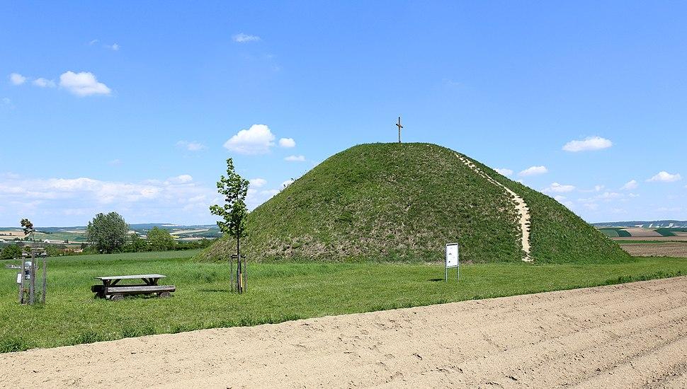 Großmugl - Hügelgrab (1)