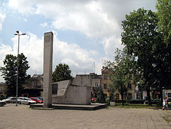Main square with monument to victims of World War II
