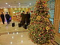 HK 銅鑼灣 CWB 柏寧酒店 The Park Lane Hotel night lobby hall interior Xmas tree n visitors Dec-2013.JPG