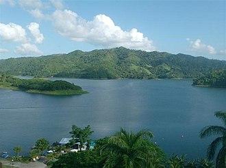 Escambray Mountains - Image: Hanabanilla Lake