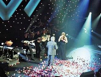 Elena Paparizou - Paparizou performing with Paschalis Terzis at Iera Odos in 2006.