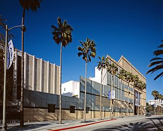 Los Angeles County Museum of Art - Image: Highsmithlacmaobliqu e