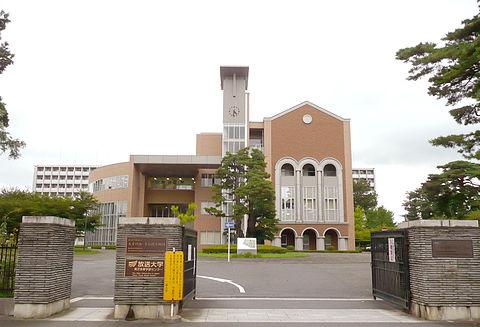 青梅 市 第 三 小学校