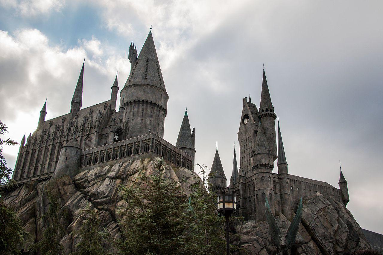 Hogwarts (29353868725).jpg