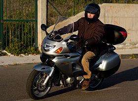 moto honda deauville 650