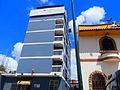 Hotel Tanausu y la estación del pollo, Caracas, Venezuela.jpg