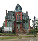 House on Edmund Detroit Woodward East.jpg