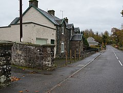 Houses on the B8033 at Kinbuck (geograph 4235638).jpg