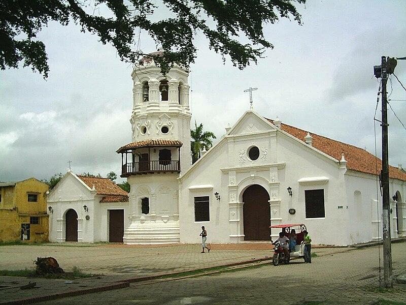 File:Iglesia de Santa Bárbara en Mompox.jpg