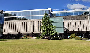 Imperial College Central Library on Queen's Lawn.jpg