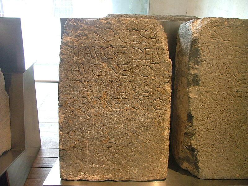 Archivo:Inscripción dedicada a Druso el Joven.JPG