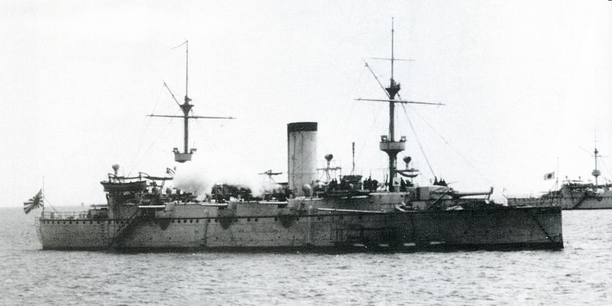 Japanese cruiser Naniwa in 1887.jpg