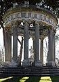 Jardin El Capricho-Templete.jpg