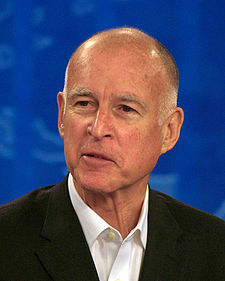 "L'attuale governatore della California,Edmund Gerald ""Jerry"" Brown, Jr."