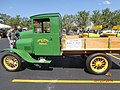John Deere Pick up - panoramio.jpg