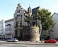 Köln, Zeughausstraße 13 mit Römerturm.jpg