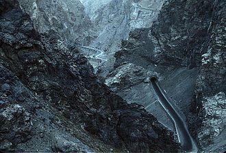 Kabul–Jalalabad Road - The road in the Tang-e Gharu