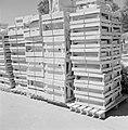 Keramiekfabriek in Bersjeba Opslag van keramische produkten in de buitenlucht v, Bestanddeelnr 255-4355.jpg