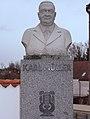 Kirchenplatz Schrems - Denkmal Karl Müller.jpg