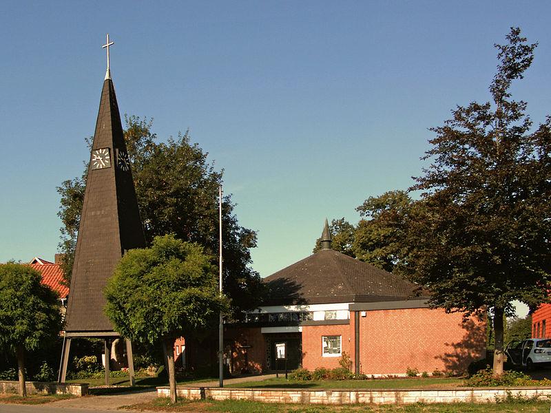 File:Klein Escherde Kirche.JPG