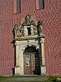 Klosterkirche Doberlug Portal (Alter Fritz).jpg