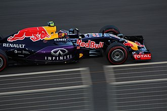 2015 Abu Dhabi Grand Prix - Daniil Kvyat qualified ninth.