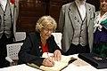 La alcaldesa se reúne con la junta directiva de la Agrupación de Madrileños y Amigos Los Castizos 09.jpg