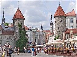 La ville ancienne de Tallinn (Estonie) (7635941118).jpg