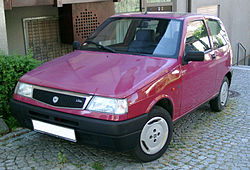 https://upload.wikimedia.org/wikipedia/commons/thumb/c/cd/Lancia_Y10_front_20070502.jpg/250px-Lancia_Y10_front_20070502.jpg
