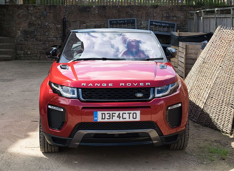File:Land Rover Range Rover Evoque Convertible 2016 - front 2.jpg