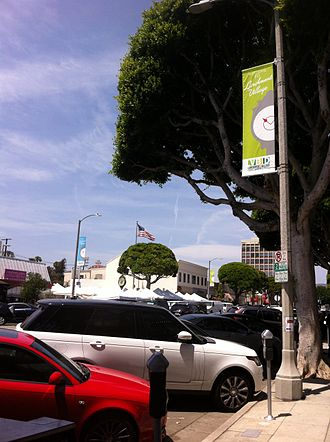 Larchmont, Los Angeles - Larchmont village with farmers market