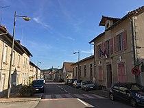Le bourg de Sauviat-sur-Vige.jpg