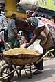 Le vendeur de haricot au chariot.jpg