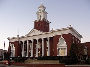 Main façade of Lee Courthouse, 2009