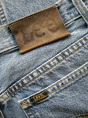 Lee (jeans) - The identification patch on a set of Lee jeans.