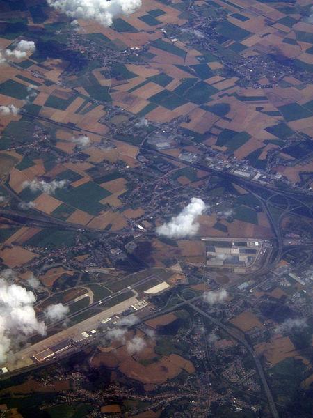File:Liège Airport 2011-07-19.jpg