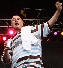 Lil Wyte performing at the Beale Street Music Festival in 2007.jpg