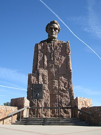 Abraham Lincoln Memorial Monument - Image: Lincoln Highway Monument