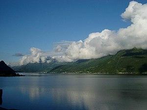 Sørfjorden (Hardanger) - Image: Lofthus Norwegen