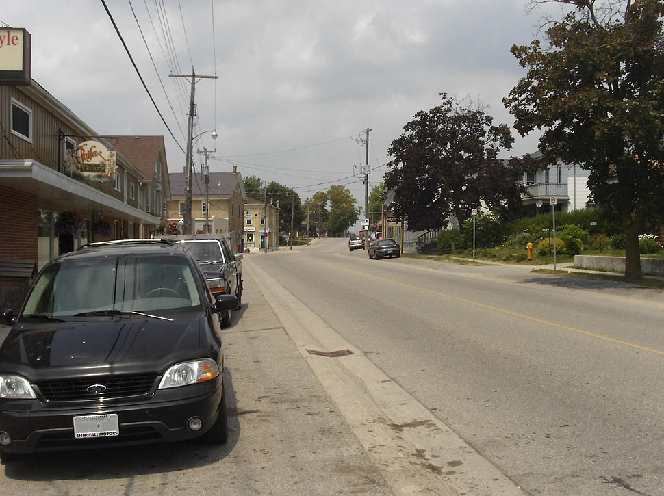 Looking north on Nafziger Rd
