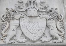 The coat of arms of King Ludwig over the entrance to Schloss Neuschwanstein (Source: Wikimedia)