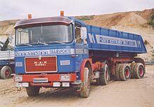 camion definizione 220px-MAN_16-230FS_Kippsattelzug