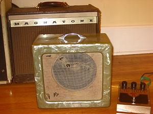 Magnatone - Image: Magnatone amps