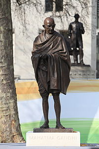 Mahatma Gandhi at Parliament Square, London.jpg