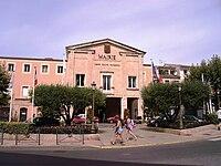 MairieStRaphaël.JPG