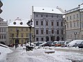 Malostranské náměstí, horní část, jižní strana.jpg