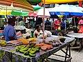 Marché de fruits et légumes à Victoria.jpg